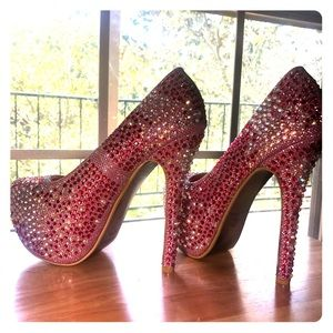 Fuchsia Jeweled embellished platform pump
